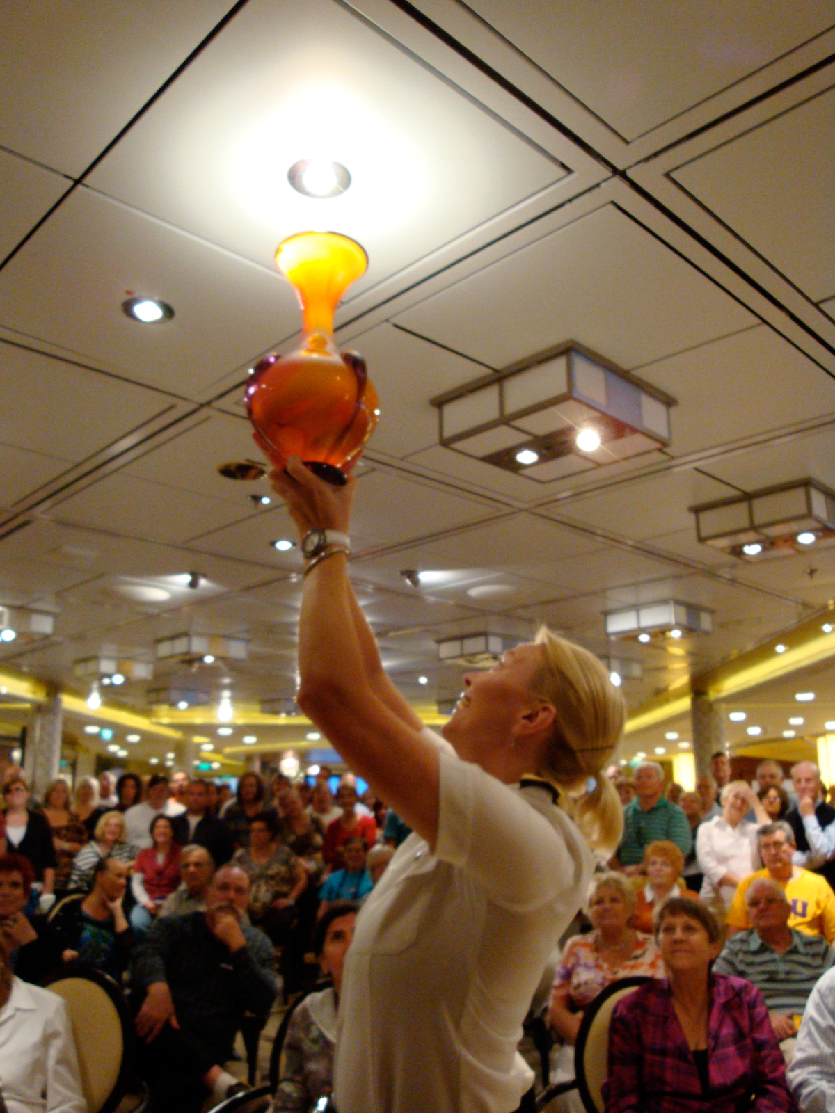 Hot Glass Show at Sea auction