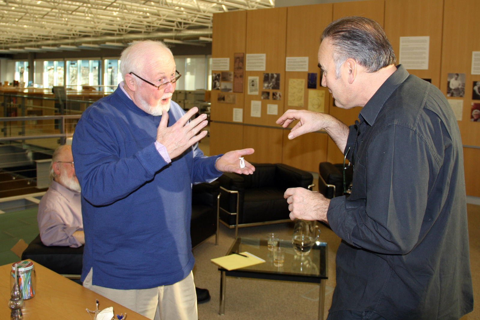 Paul Stankard and Lucio Bubacco discuss glassmaking at the Rakow Library