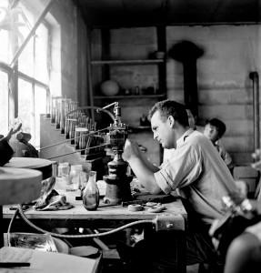 Erwin Eisch working at Harvey Littleton's Farm Photographed by Robert C. Florian, 1964 Gift of Robert C. Florian