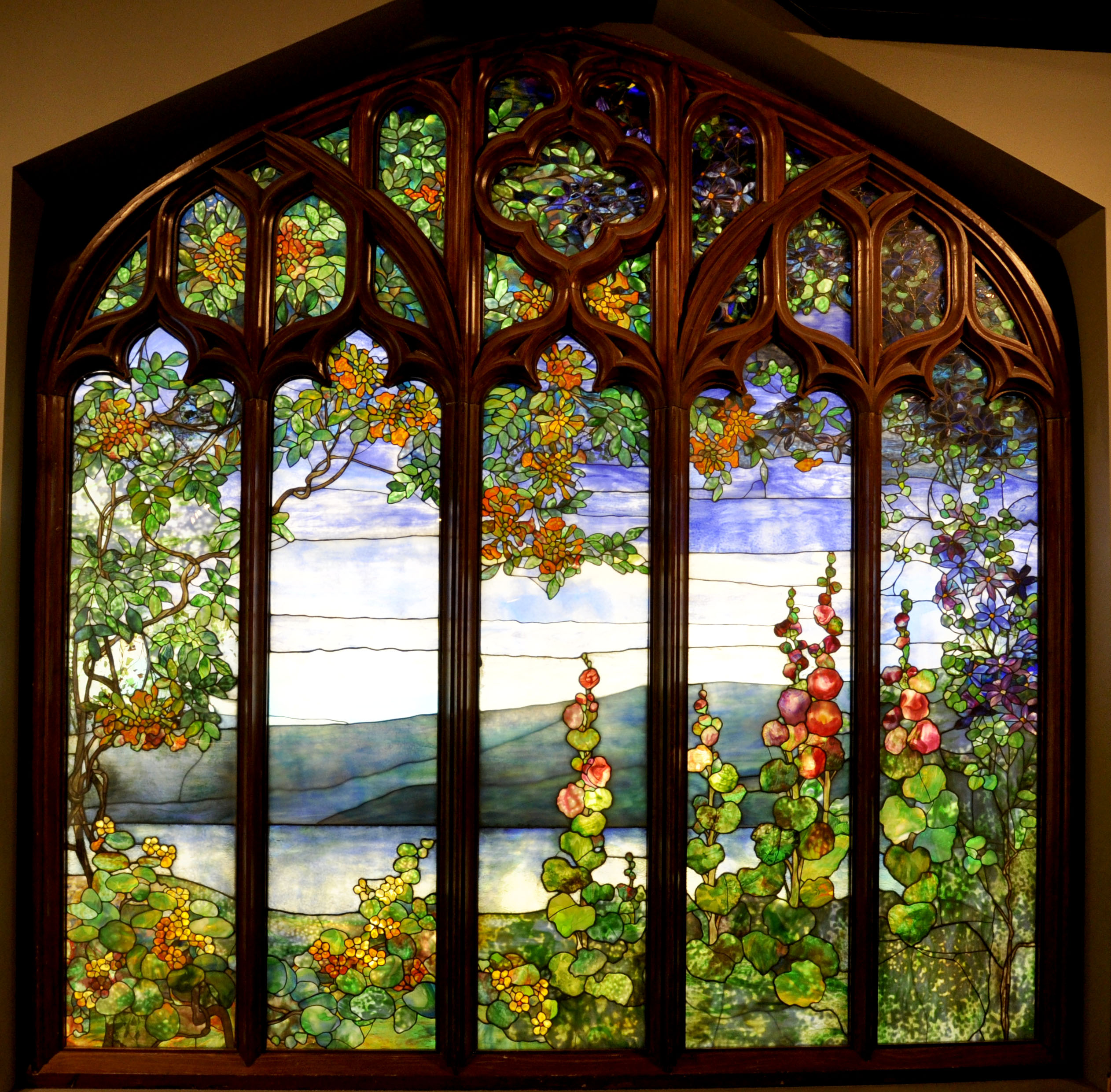 Conservation of a louis comfort tiffany stained glass for Glass windows