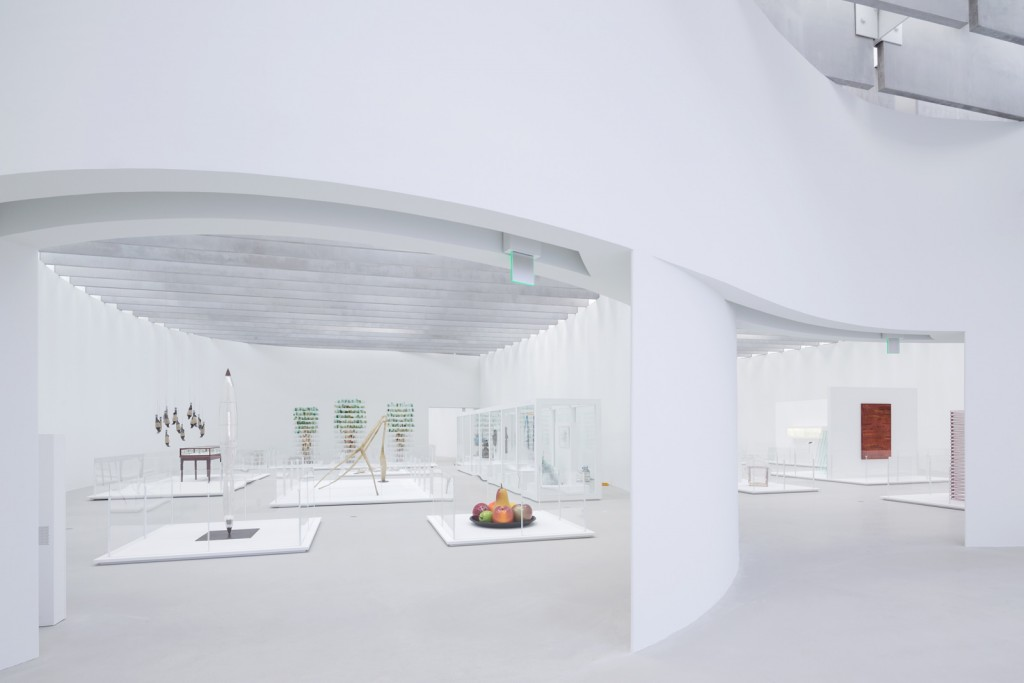 View of the Nature Gallery and the History and Material Gallery in The Corning Museum of Glass's new Contemporary Art + Design Wing, designed by Thomas Phifer and Partners. Photo by Iwan Baan. Courtesy of The Corning Museum of Glass.