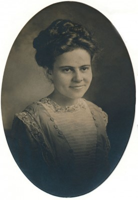 Bessie Cook Littleton