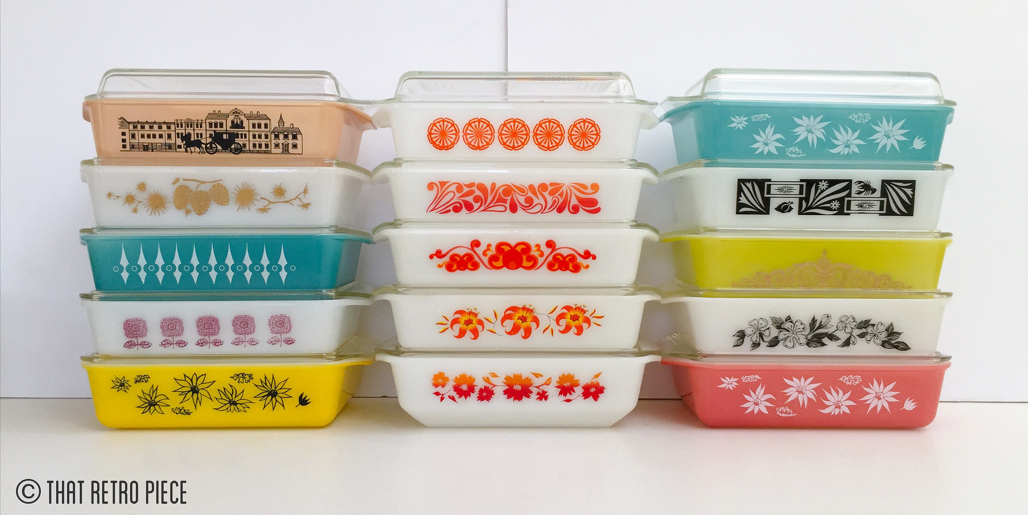 Agee/Crown Pyrex oblong casseroles (Photo credit: That Retro Piece)