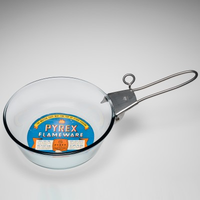 Pyrex Flameware Skillet with Detachable Metal Handle, Corning Glass Works, made in Corning, NY, 1936-1948. 2005.4.197, gift of Thomas P. Dimitroff.