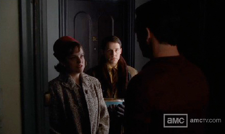 Turquoise Snowflake Oval Casserole spotted on Mad Men. (Photo via Pyrex Love )