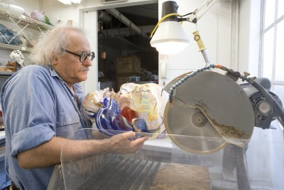 Marvin Lipofsky working in his studio, 2006. Photo by M. Lee Fatherree, © Marvin Lipofsky, Collection of the Rakow Research Library, The Corning Museum of Glass