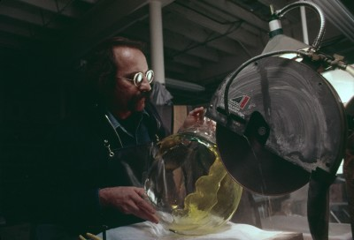 Marvin Lipofsky working in his studio, 1980. Photo by Monica Lee, © Marvin Lipofsky, Collection of the Rakow Research Library, The Corning Museum of Glass