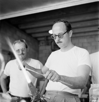 Harvey Littleton Lampworking at the June 1962 Toledo Workshop. Photograph by Robert Florian. Nils Carlson (l) and Harvey Littleton (r). Gift of Robert Florian. CMGL 1000068776