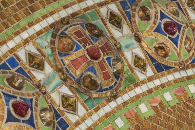 Detail of reredos with cross, after 1910. Tiffany Studios. Glass mosaic with glass jewels. Christ Episcopal Church, Corning, New York. Photo: The Corning Museum of Glass