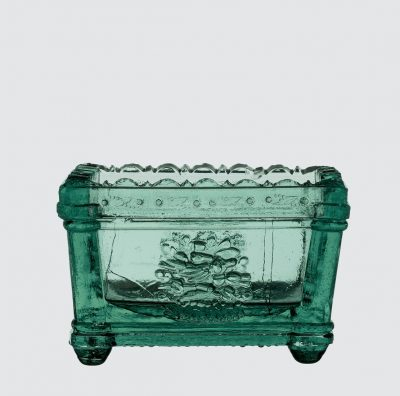 Green Salt Dish, Jersey Glass Works (manufacturer), 1830-1839, Jersey City, N.J., 2007.4.35.