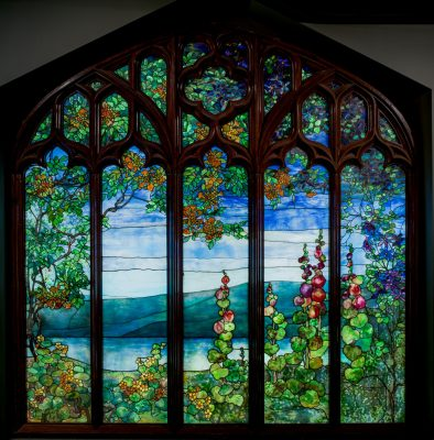 Window with Hudson River Landscape, Tiffany Studios, 1905, Corona, N.Y., 76.4.22. © Louis Comfort Tiffany.